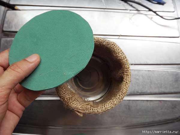 Декорирование железной банки мешковиной и пасхальным зайчиком (7) (600x450, 94Kb)