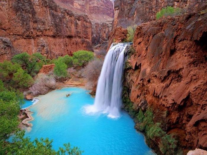 1321947921_waterfall_01 (700x524, 320Kb)