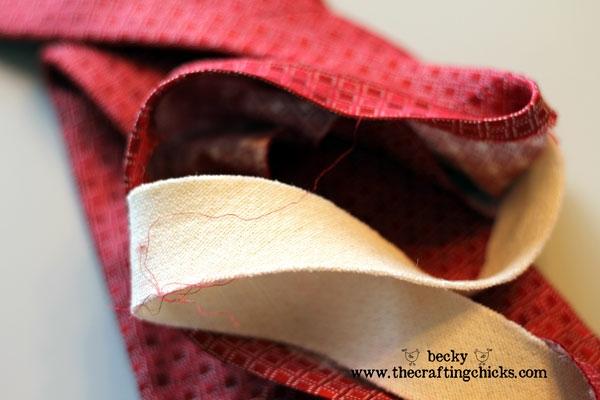 бусы из мужского галстука5 (600x400, 119Kb)
