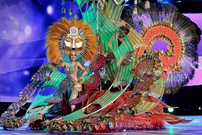 карнавальный костюм фото (700x467, 354Kb)