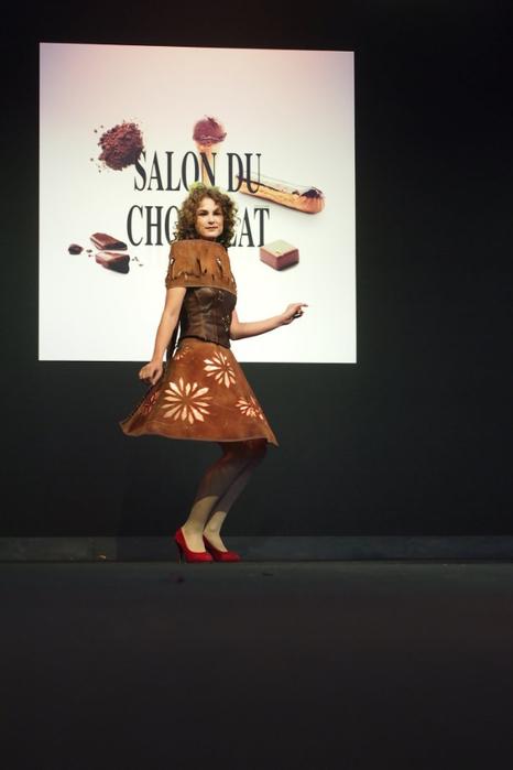 Salon du Chocolat шоколадная мода в брюсселе 4 (466x700, 152Kb)