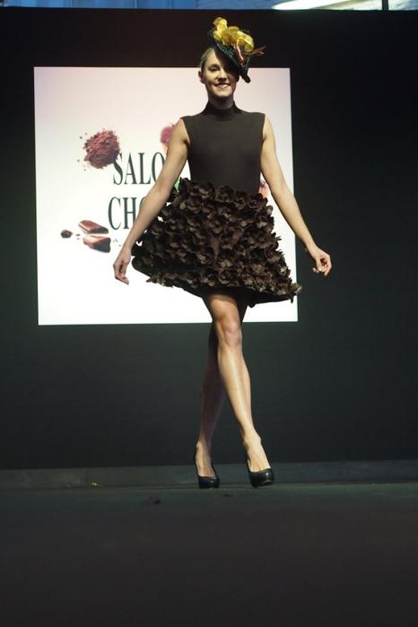 Salon du Chocolat шоколадная мода в брюсселе 9 (466x700, 190Kb)
