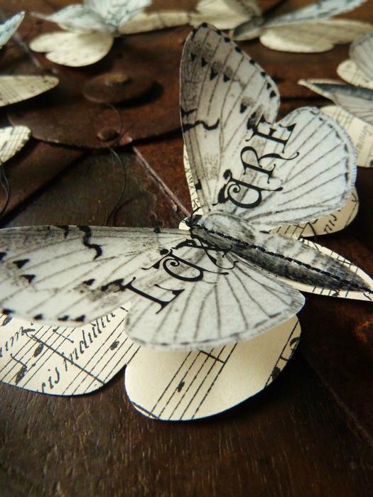 Бабочки из журнальных страниц (2) (525x700, 419Kb)