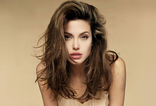 angelina_jolie_beautiful_wallpaper_650x443 (650x443, 58Kb)