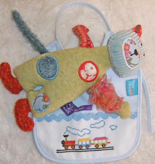Схемы вышивки комплектов для новорожденных (11) (529x559, 714Kb)