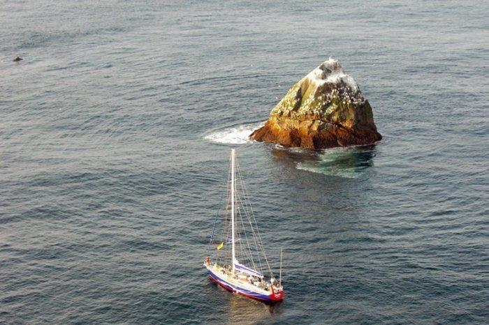 скала роколл атлантический океан 2 (700x466, 267Kb)