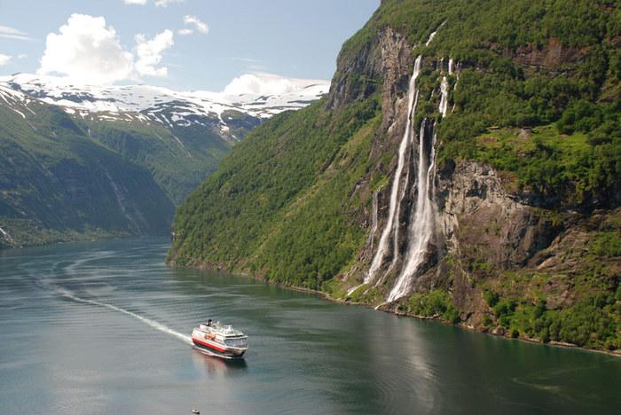 3578968_Nye_shipingeirangerfjord1 (700x468, 111Kb)