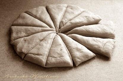 Дрожжевые сырные розочки. Рецепт красивой выпечки (1) (415x276, 76Kb)