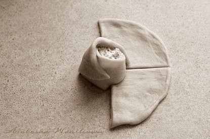Дрожжевые сырные розочки. Рецепт красивой выпечки (5) (415x276, 60Kb)
