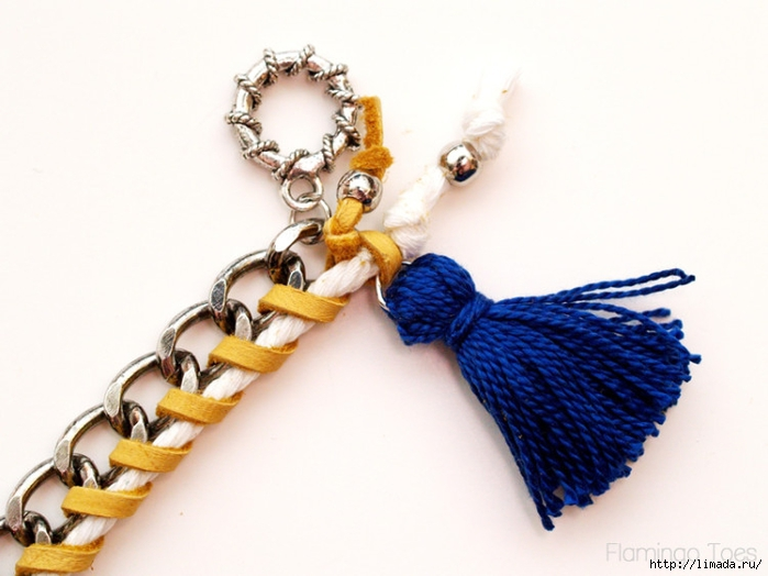 adding-tassel-to-bracelet-750x562 (700x524, 187Kb)