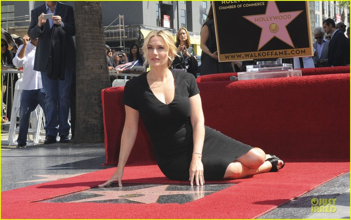 kate-winslet-shailene-woodley-hollywood-walk-of-fame-14 (700x439, 92Kb)