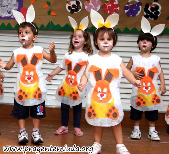 Для детского утренника. Рожица и ушки пасхального зайца (1) (541x496, 410Kb)