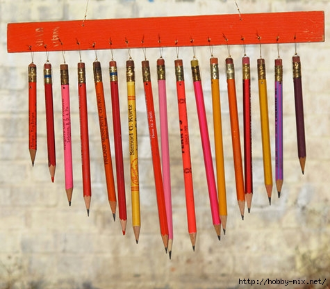 Red_mobile_wind-chime-pencils (475x416, 135Kb)