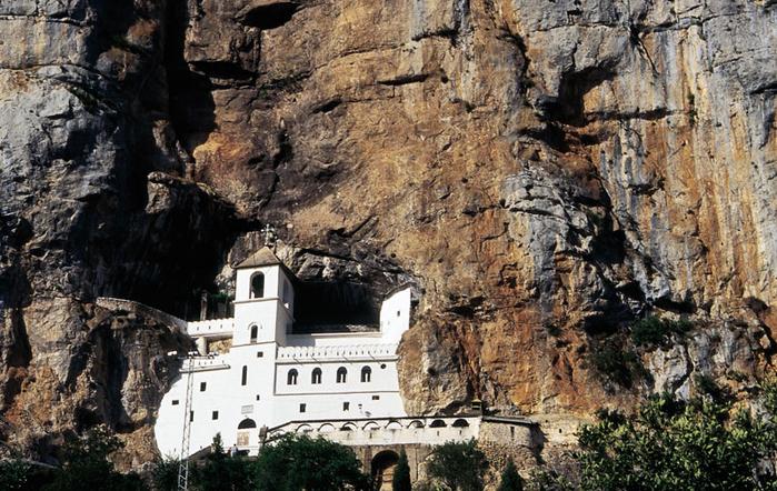 Страна Черных гор - Черногория (2) (700x442, 462Kb)