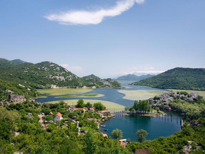 Страна Черных гор - Черногория (4) (700x525, 369Kb)