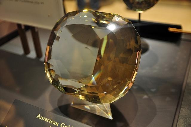 американский золотой топаз фото (640x425, 252Kb)
