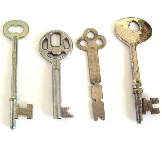 keys_for_erick_to_see_by_sojourncuriosities (554x480, 148Kb)