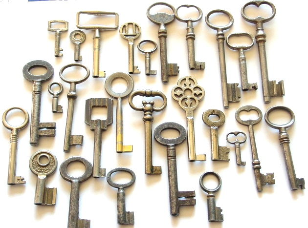 Keys_in_October_by_sojourncuriosities (630x467, 272Kb)