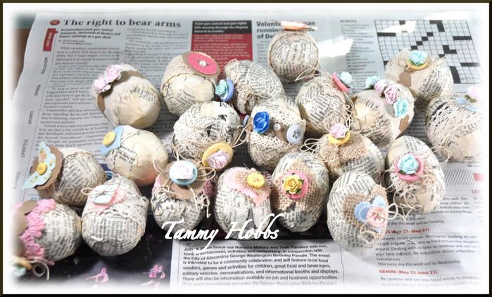 Винтажная елочка - топиарий с пасхальными яйцами (11) (700x423, 327Kb)