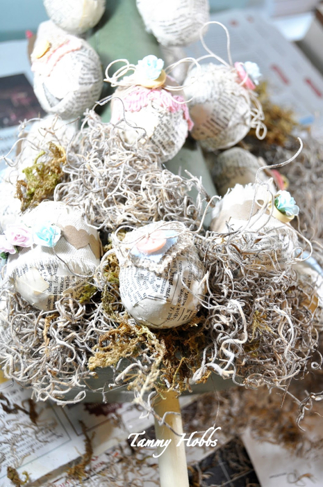 Винтажная елочка - топиарий с пасхальными яйцами (16) (465x700, 421Kb)