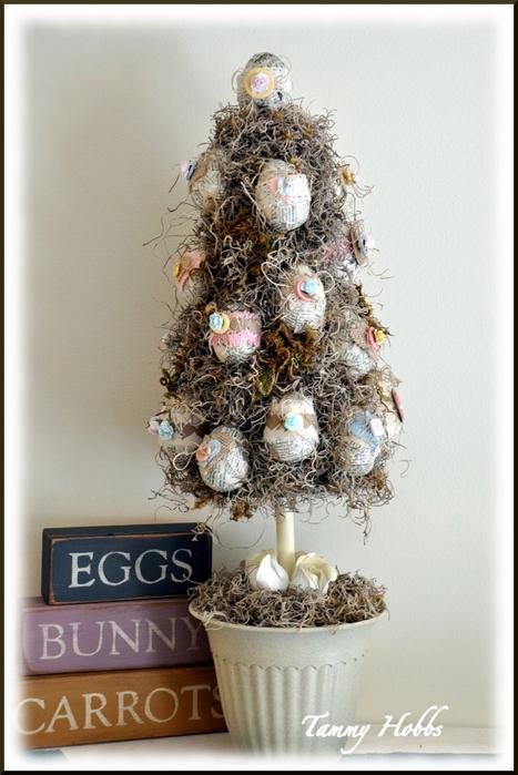 Винтажная елочка - топиарий с пасхальными яйцами (17) (467x700, 320Kb)