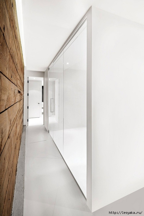 interior-walls-design-white-and-wood-contrast-rustic-elements-Espace-St-Denis (466x700, 150Kb)