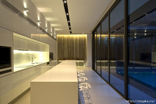 modern-kitchen-design-glossy-island-wall-decoration-recessed-lighting-Centennial-Tree-House (600x399, 127Kb)