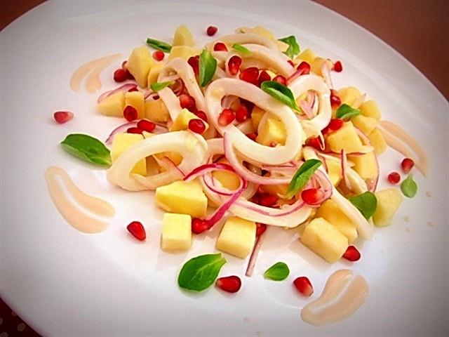Салат-с-кальмарами-и-яблоком (640x480, 73Kb)