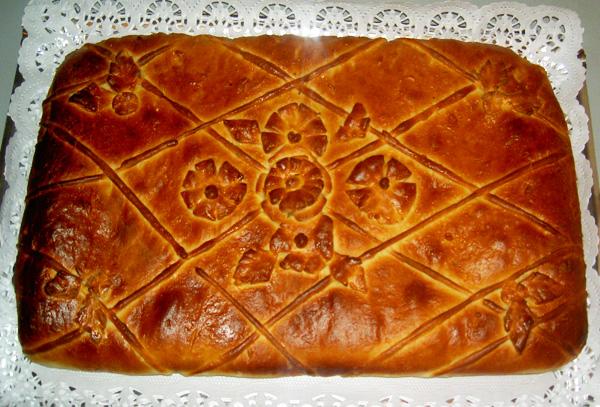 Как украсить закрытый пирог из дрожжевого теста пошагово