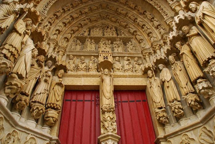 3418201_Cathedrale_NotreDame_AMIENS_Picardie___0_403c4_453698ec_XL (700x468, 141Kb)