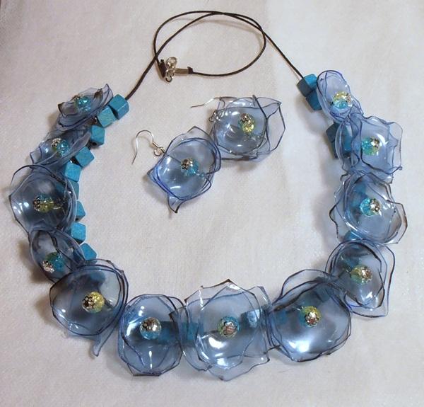 Collar de una botella de plástico (5) (600x575, 323Kb)
