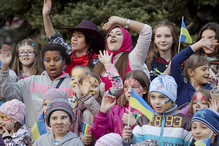 Украина_дети (700x466, 198Kb)