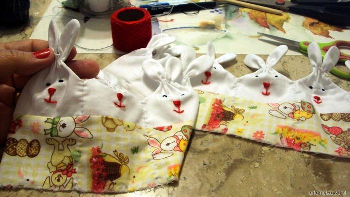Текстильная корзинка из пасхальных зайцев. Мастер-класс (24) (700x393, 333Kb)