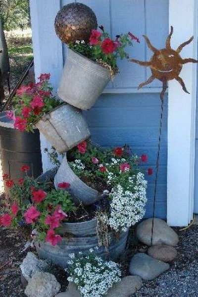metal-buckets-creative-ideas8-3 (400x600, 244Kb)