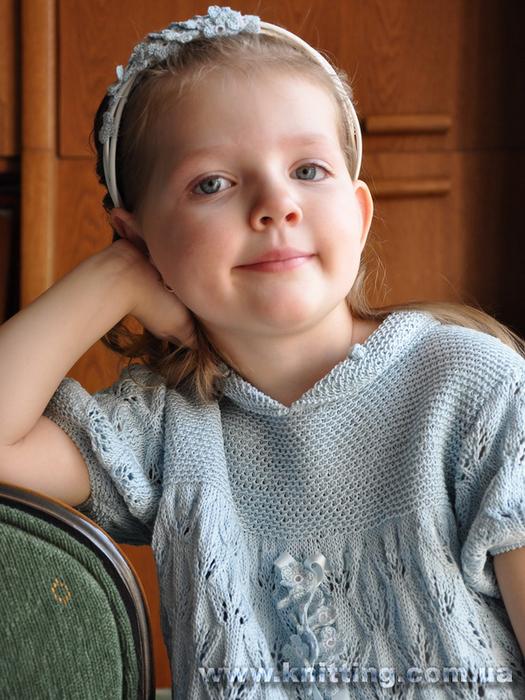 Незабудки крючком. Украшение для обруча и ленты в платье для девочки (1) (525x700, 416Kb)