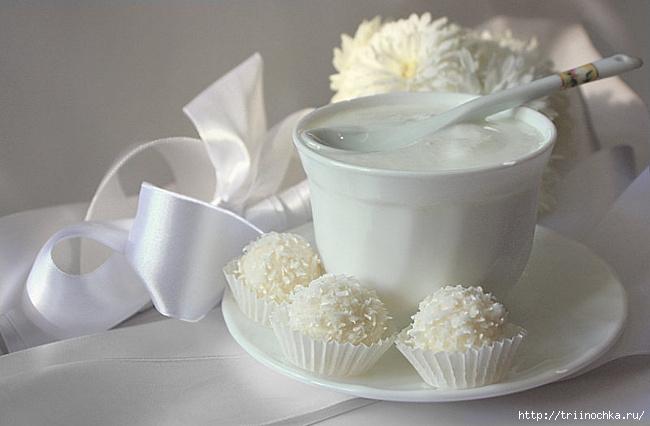 Белая посуда... с красными губами! Натюрморты