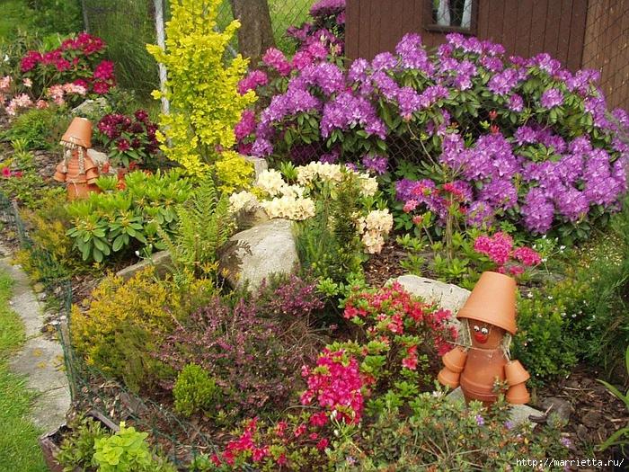 Садовые фигурки из цветочных горшочков (9)