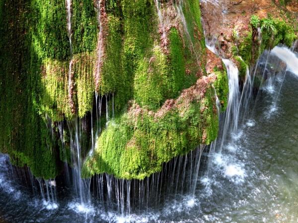 красивый водопад бигар румыния 3 (600x450, 406Kb)