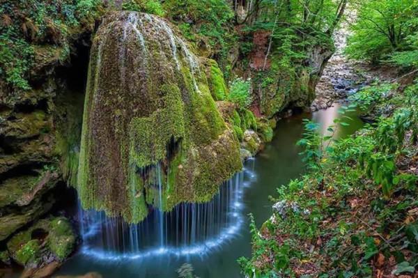 красивый водопад бигар румыния (600x399, 315Kb)