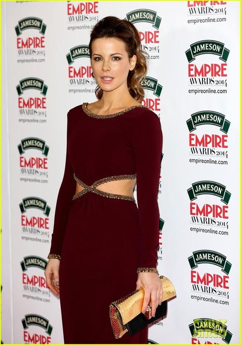 kate-beckinsales-cutout-dress-jameson-empire-awards-2014-05 (488x700, 90Kb)