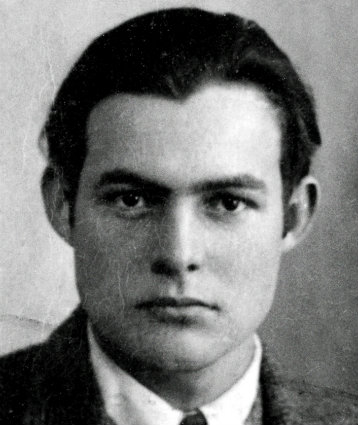 Ernest_Hemingway_1923_passport_photo (358x425, 33Kb)