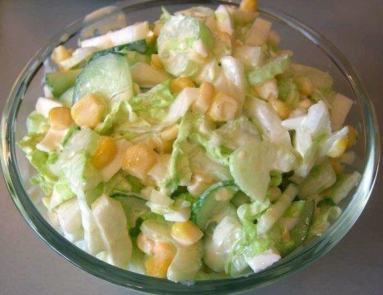 Салат с капустой, огурцами и кукурузой (550x424, 48Kb)