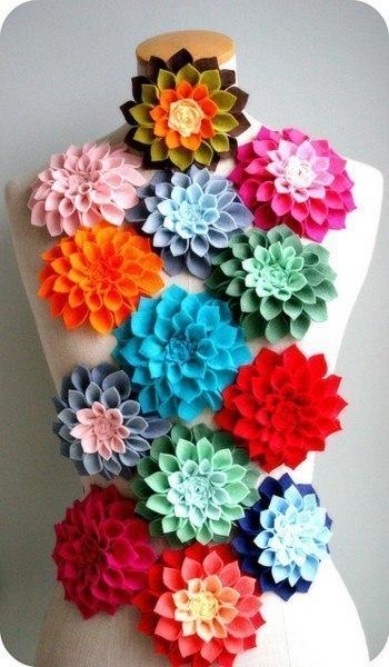 Прекрасные цветы с фетра