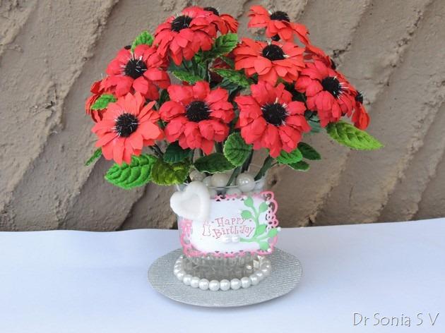 Букет красных цветов из бумаги (8) (630x472, 235Kb)