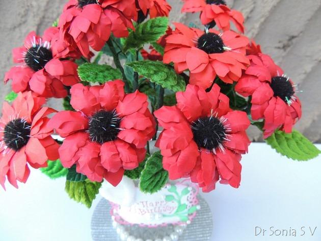 Букет красных цветов из бумаги (12) (630x472, 286Kb)