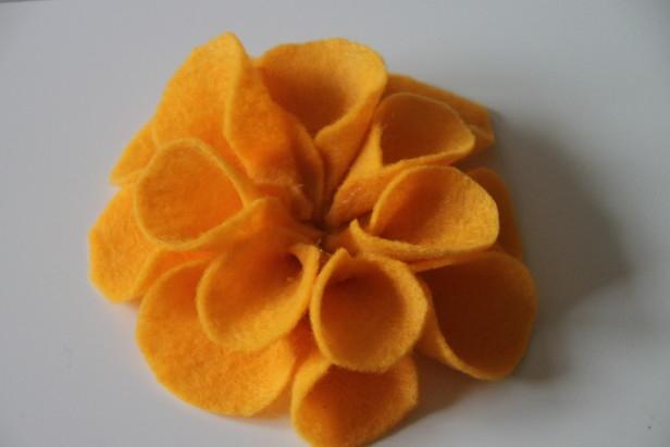 Цветы из фетра в украшении баночек (4) (616x411, 129Kb)
