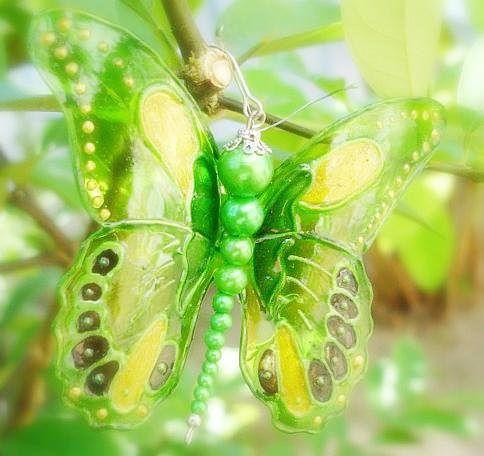 бабочки из пластика1 (484x456, 35Kb)