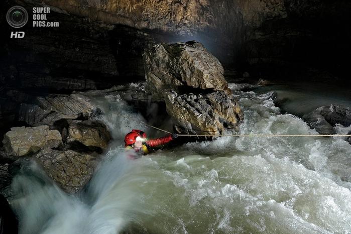 пещеры фото 10 (700x466, 259Kb)