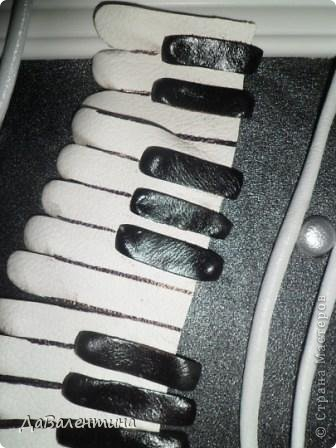 Гитара из кожи своими руками (13) (336x448, 97Kb)