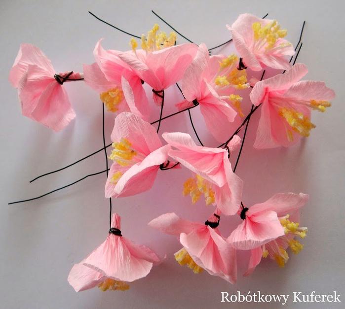 Пасхальная ВЕРБА. Декоративная композиция из веточек вербы и цветов из гофрированной бумаги (21) (700x627, 385Kb)